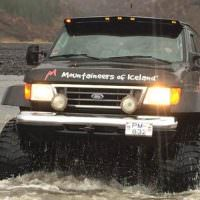 Super Jeep Rivercrossing
