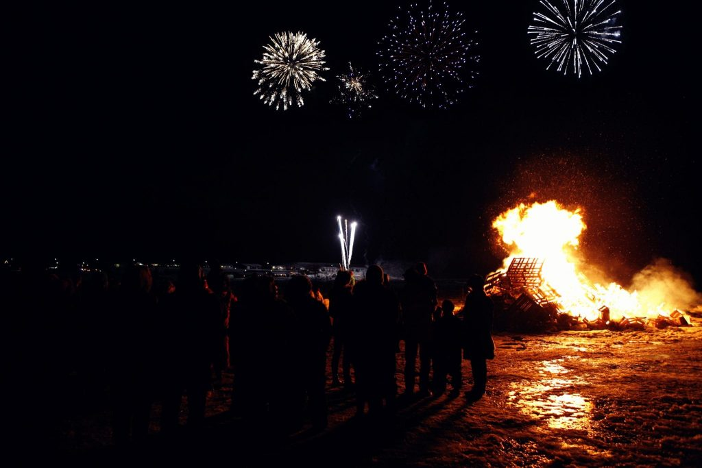 iceland new years tradition
